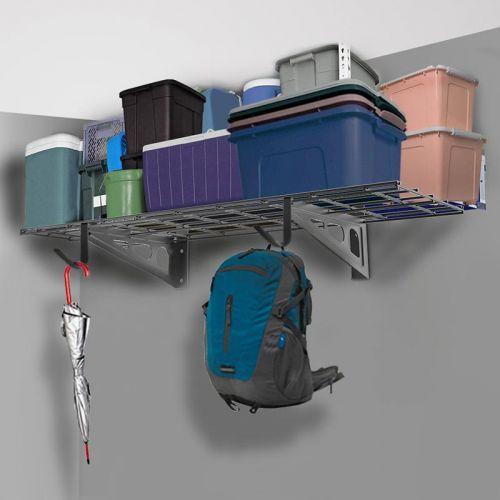 Nástěnná kovová police na uložení věcí v domácnosti