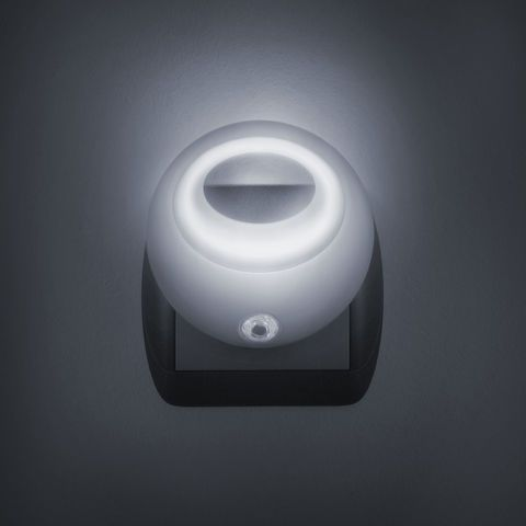 Bílé noční světlo se senzorem