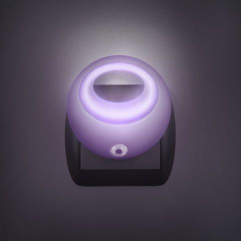 Fialové noční světlo se senzorem